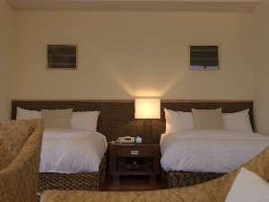 沖縄での素敵な時間を100平米のお部屋でゆったりとお過ごし下さいませ。