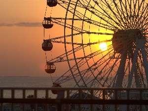 お部屋から見渡す事の出来る、東シナ海に沈む夕日を眺めながらお楽しみ下さい。