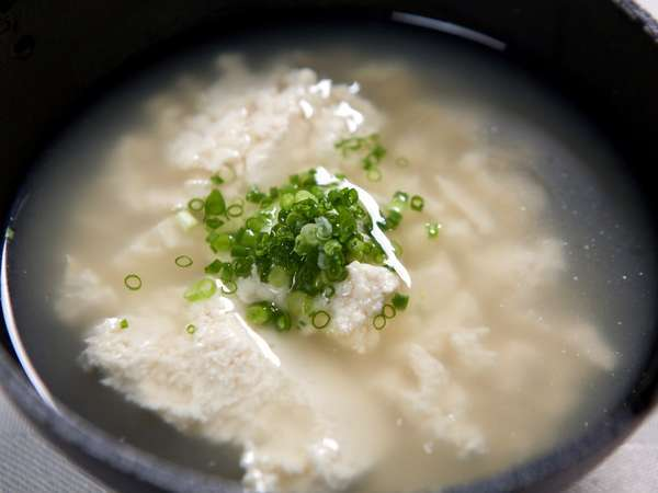 沖縄料理の定番汁物ゆし豆腐