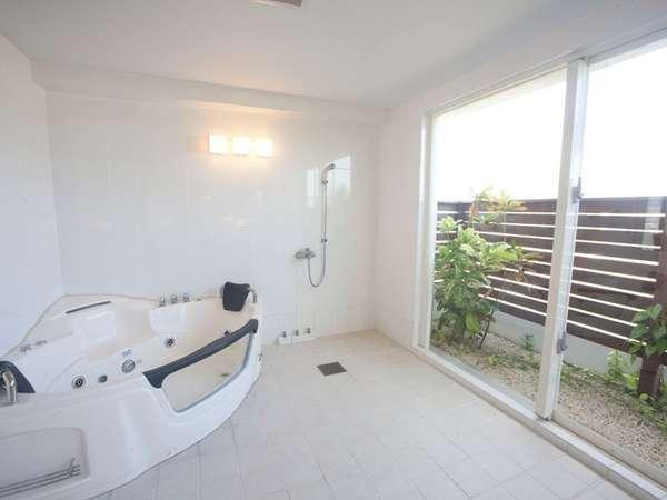 20平米ある露天風呂をイメージした大人気のジャグジー付の浴室!【我が家】のように心も体も安らぐ空間。