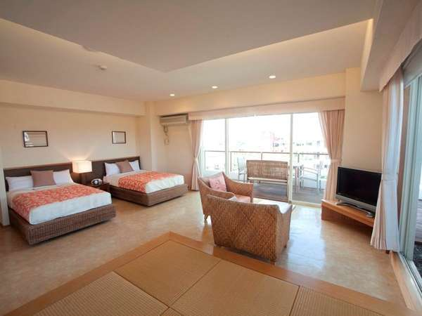 琉球畳間を設けた和洋室のお部屋は、小さいお子様にも安心・安全でお過ごし頂けます。
