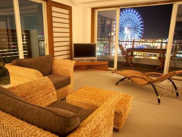 【901号室~与那国島~】沖縄唯一の観覧車の夜景は、お部屋を彩る1つのインテリア。