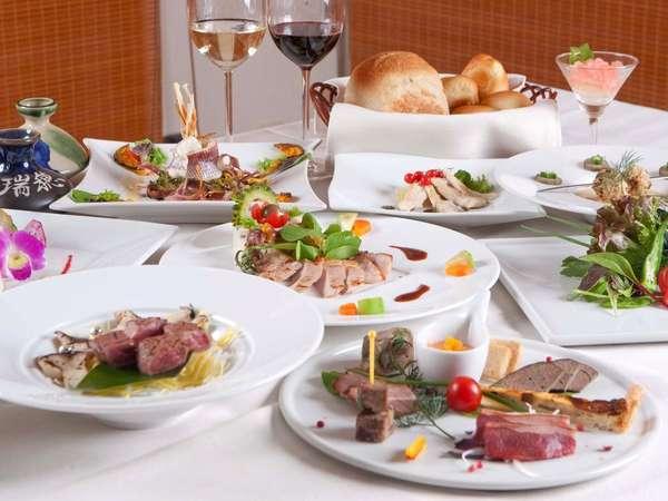 自然の美味しさをそのまま表現するシェフこだわりの新しい料理スタイル。素材本来の味をお楽しみ下さい。