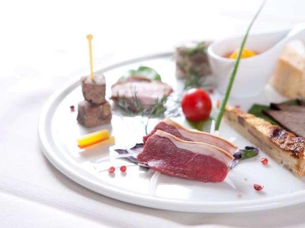自然の美味しさが料理にそのまま表れる創作コース料理をお楽しみ下さい。