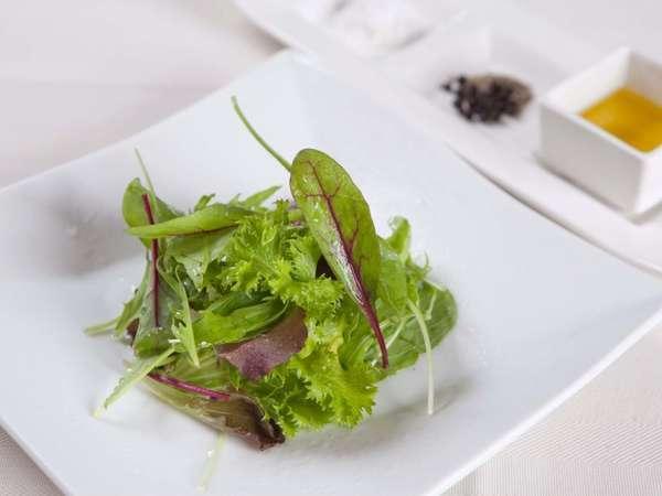 素材本来の味をお楽しみ頂く為に…自然の美味しさをお料理にそのまま表現致します。