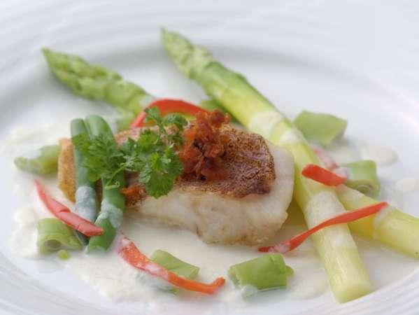 あなた様のお好みにに合ったお料理と、自家産の新鮮なお野菜でおもてなし致します。