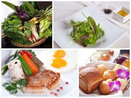ご朝食は身体に優しいオーガニックなコース仕立て。自家産食材と琉球料理を織り交ぜた創作フレンチをご用意