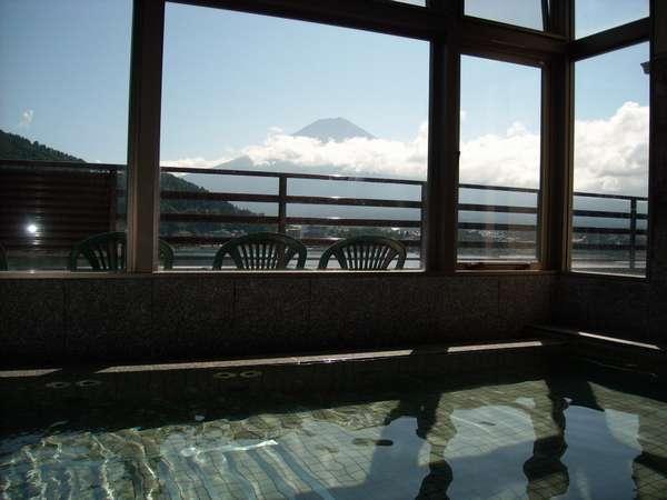 富士山を眺めながらゆっくりお寛ぎ下さい