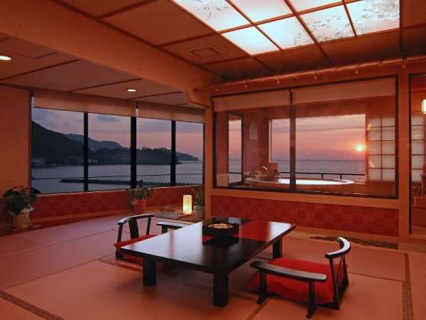 夕陽見の角部屋「ほほえんで見つめて」客室