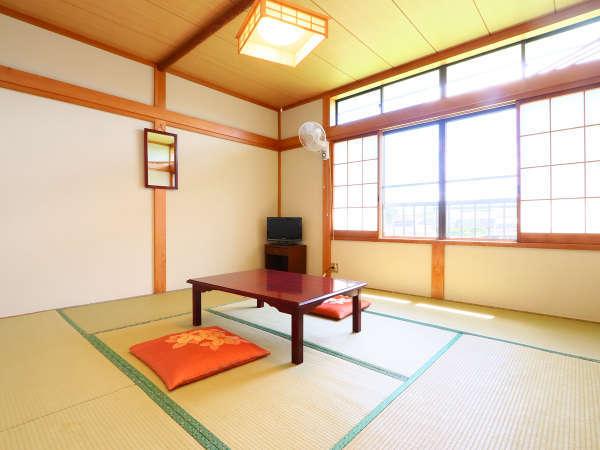 8畳和室◆お部屋からの景観をお楽しみください