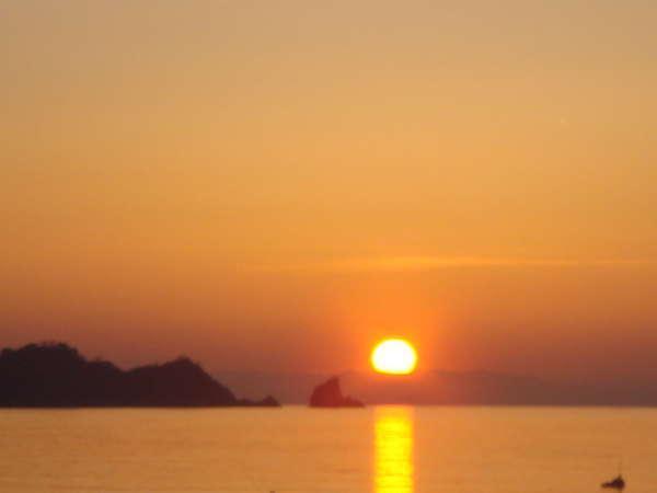 世久見海岸の夕日