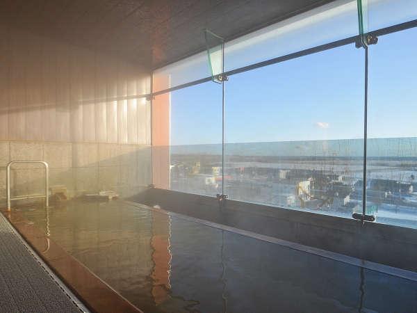 【展望風呂】天気の良い日は太平洋を一望できます。
