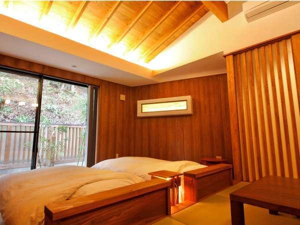 新館【冬香】のお部屋 山小屋風の別荘に来たようなどっしりした造り。ずっとここに籠っていたくなる空間。