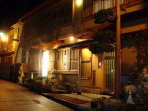山崎屋旅館の外観