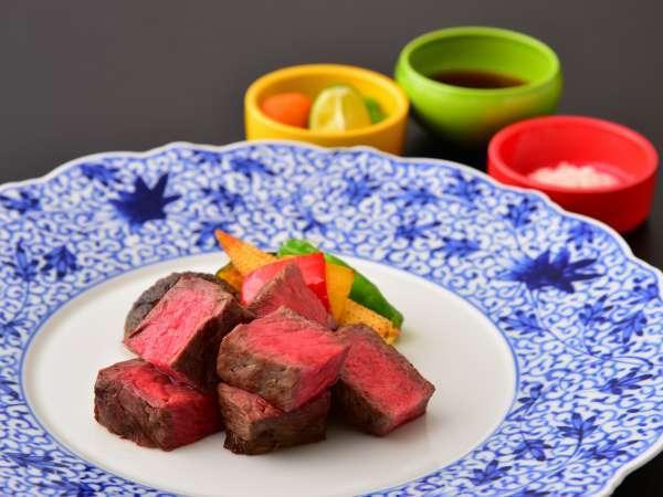 【鳥取和牛★】食べ応えありの鳥取和牛ステーキ100gと海鮮炭火焼きを食べて鳥取を満喫できるコース