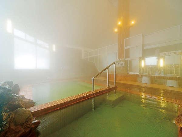 男女とも同じ造りの大浴場「有生温泉」です。木枕を御利用になり天然サウナ気分をお楽しみ下さい