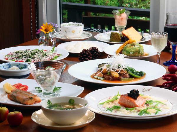 和洋折衷のフルコースディナー 旬の食材や地元食材の自慢の手作り料理です
