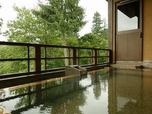 新潟の紅葉スポット近くの温泉宿・紅葉露天のある宿県 妙高・山里の湯宿 香風館