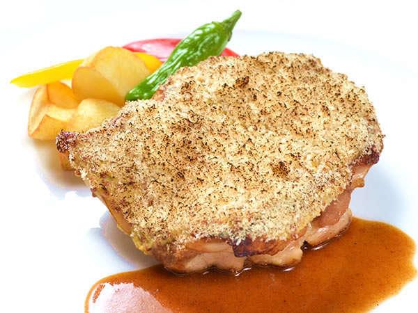 ≪メイン料理チキン&バイキングディナー≫オムレツが人気の朝食付(1泊2食)