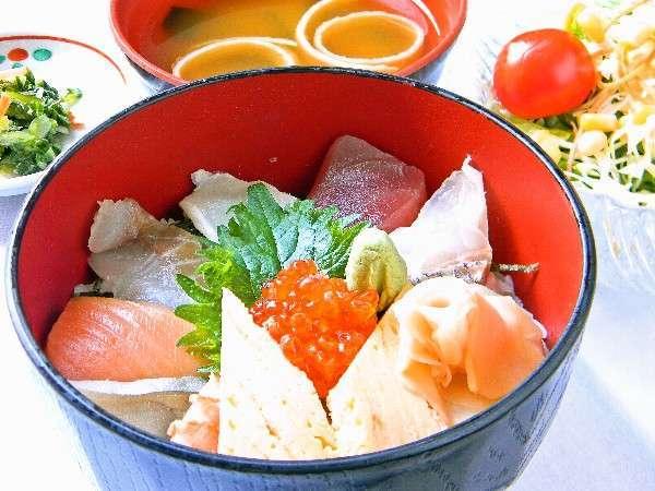 【食いしん坊ばんざい!】庄内浜直送の海鮮丼セット!