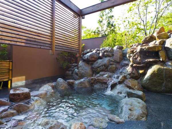 客室温泉(一例)(温泉はそれぞれ雰囲気が異なります)