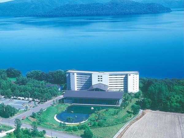 屈斜路湖畔に佇む温泉リゾートホテル