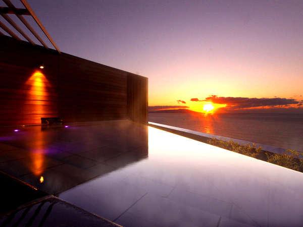 屋上展望露天風呂「薫風」から眺める朝日 写真提供:じゃらんnet