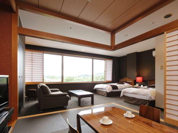 <部屋>和洋室 セミスイート (48㎡)広い窓から降り注ぐ太陽の光が心地よい客室です。