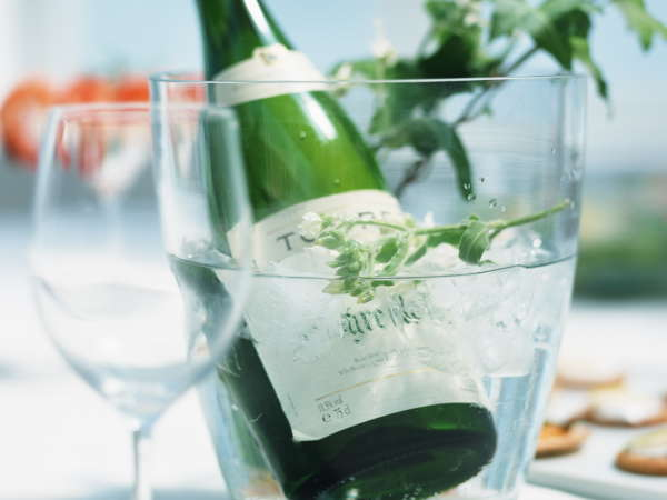 ◆2食付◆Happy Anniversary〜記念日プラン〜ケーキ&ワイン特典付♪地中海料理「ムーンライト」