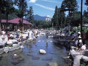 【レイトチェックイン24時まで◎】絶景の露天風呂で越後湯沢温泉を満喫♪≪素泊まり≫