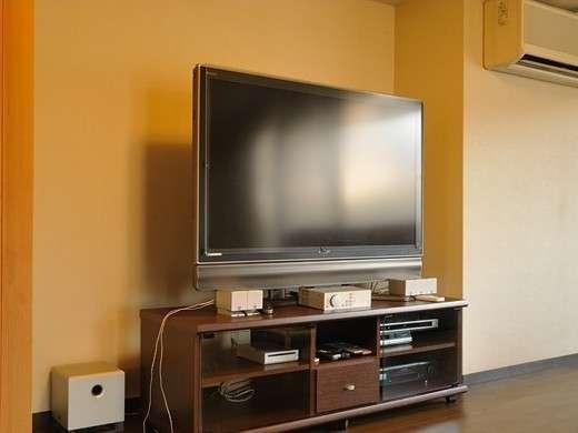 『客室備品』大型液晶テレビ※スタンダードルームにはございません。