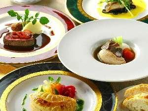 フランス・地元、それぞれ季節の美味しい食材を選りすぐる