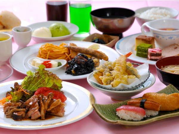 【和洋中35種類バイキング】あつあつ天ぷらや寿司などが食べ放題!