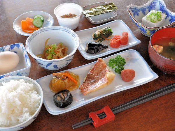 【和朝食】おいしい朝ご飯で元気な一日をスタート。(コーヒー付)