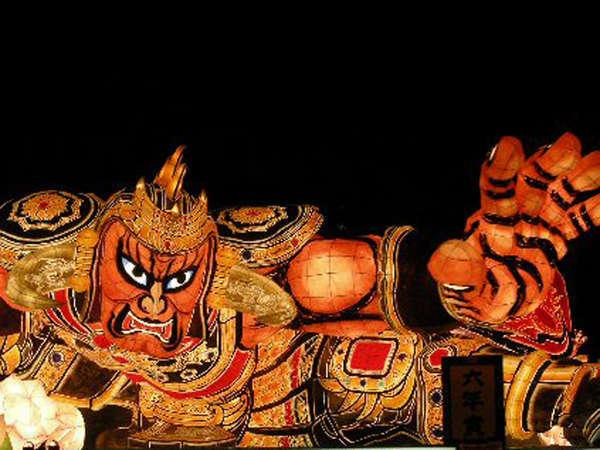 *東北三大祭りのひとつ!日本を代表する火祭「青森ねぶた」