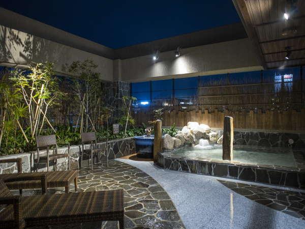 ◆大浴場 露天風呂◆(湯温:41~42℃)