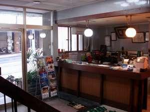 ビジネスホテル 瑞宝荘の外観
