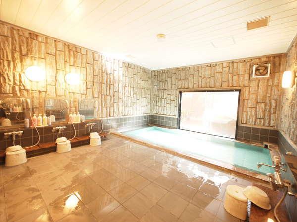 ゆったり手足を伸ばしてご入浴頂ける大浴場です。利用可能時間   15:00~26:00 5:00~10:00