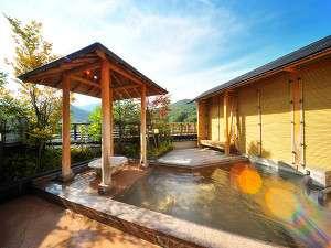 夜6時から時間帯無料貸切可能な絶景の展望露天風呂(事前予約不可、予約はチェックイン時のみ)