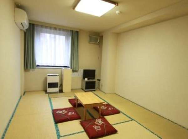 1or2名【3名まで可能 】個室です。【ウィークリー連泊・7泊・1週間以上】 15平米・6畳間・ミニキッチン付