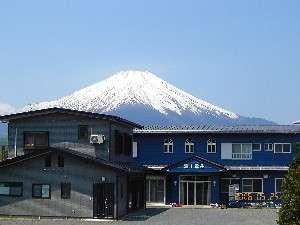 富士重荘の外観