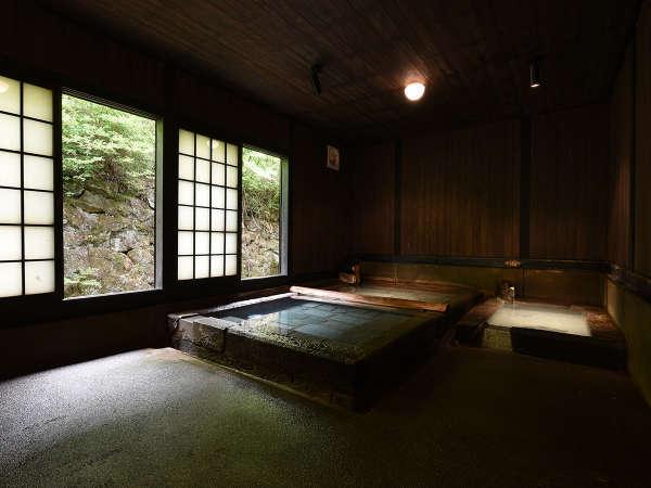 *【切石湯】薪で炊き上げたお湯の湯船と冷泉大浴場より2~3度高めの冷泉湯船。