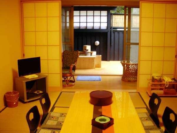 1泊2食付(月コース膳)客室小露天付(らん・はぎ)