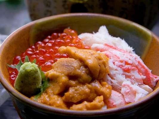 \うに・いくら・かに/3つの豪華な海の幸の饗宴!食べごたえ十分!幸せも一緒に味わえます♪