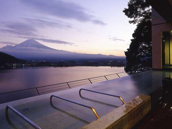 大空の湯「Mahina」~天空に浮かぶ夕景の露天風呂~