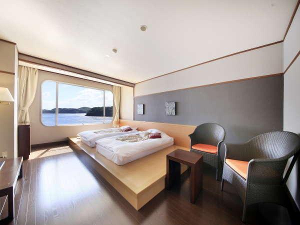 【しおさい館】和蘭ノスタルジールーム『ステージベッド』。お部屋からは碧い海も一望!