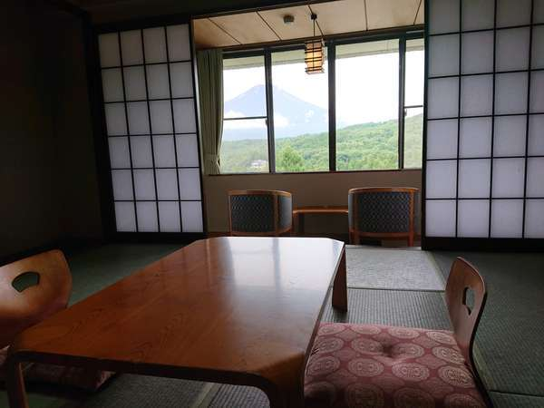 12畳和室、全室富士山ビュー
