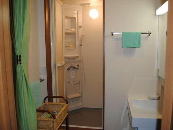 シャワーブース付8畳和室、朝食付きプラン