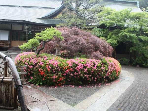 福智院正門からの眺めです。