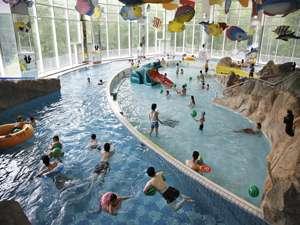 【ラグーン】ラグーンの造波プールです。大人も子供も一緒にお楽しみ頂けます^^